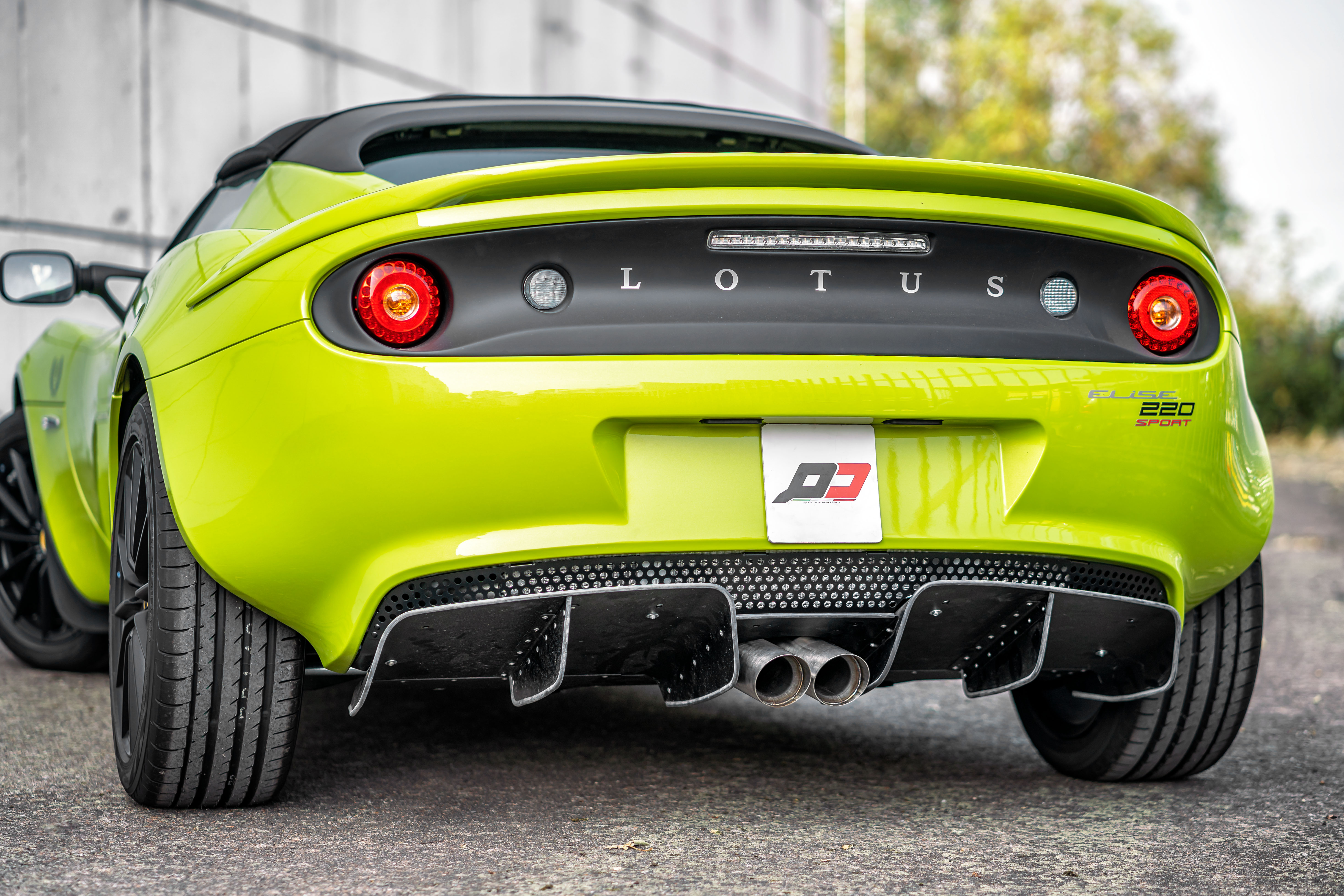 lotus-elise.qd-exhaust-220-cup